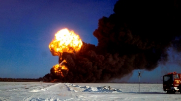 casselton-nd-crude-by-rail-exploding